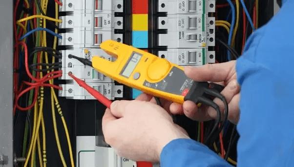 اعمال الكهرباء